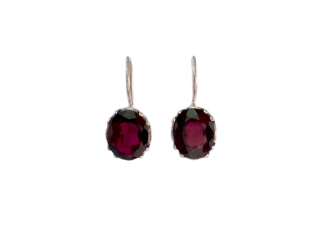 Silver Earring With Facet Cut Garnet – E9509