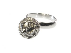 Ring With Etruscan Silver Ball – Big – R1144