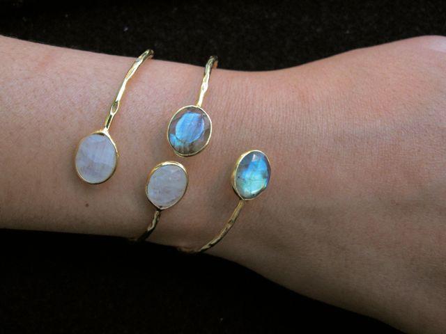 Bracelet With Labradorite (grey/green/blue) Or Moonstone (white) B9506 V