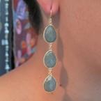 E1362-V drie stenen lange oorbellen