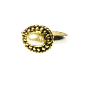 Ring With Small White Pearl – R1015
