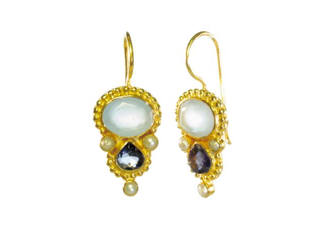 Earring With Oval Chalcedony And Tear Drop Iolite In Etruscan Setting – E13118