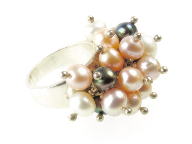 R013 Z Three Color Pearl Ring