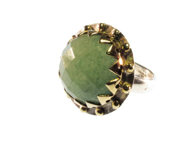 Cocktail Round Crown Setting Ring With Facet Cut Jade