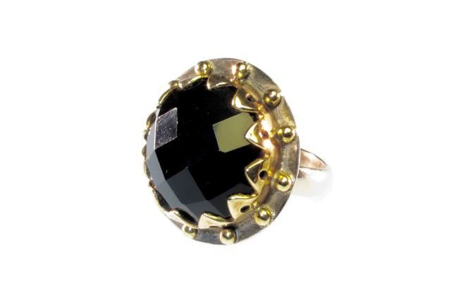 Cocktail Ring Round Crown Setting With Facet Cut Black Onyx
