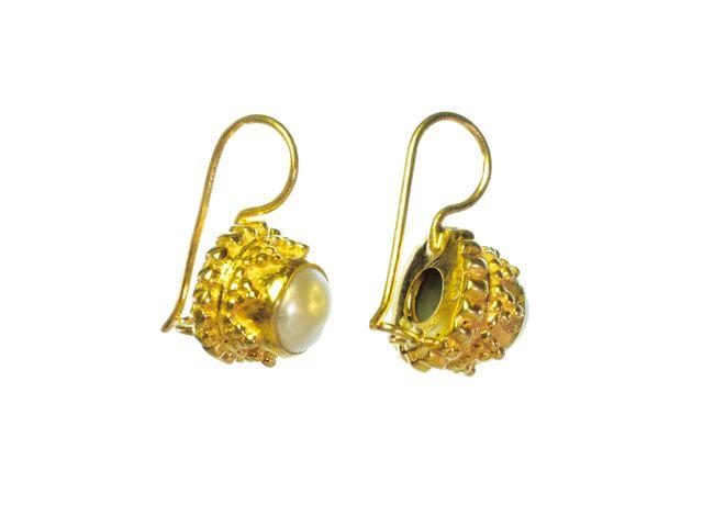 Witte parel Etruskische oorbellen E3b-V