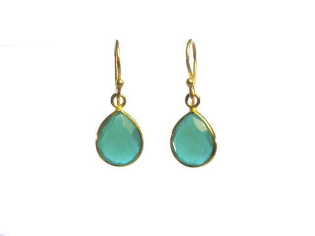Earring Small Facet Cut Green Onyx Tear Drop In A Setting – E1199