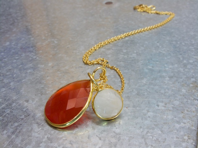 Carnelian Drop Pendant And Moonstone Round Small Pendant P1008 P1005