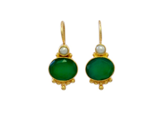 Classic Earring Oval Green Onyx With Pearl – E3012