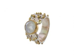 Vintage Chic Dotted Ring With Moonstone – R7701