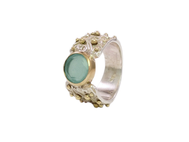 Vintage Chic Dotted Ring With Aqua Chalcedony – R7701